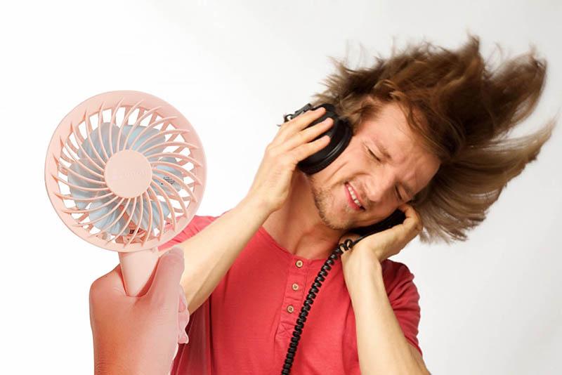 換気推奨&マスク熱中症対策「爆風ハンディファン」
