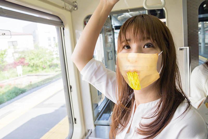 見るだけで思わず食べたくなるマスク・Tシャツ
